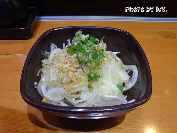 義郎銘壽司-涼拌洋蔥免費招待