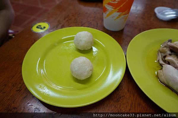 兩顆雞球飯...