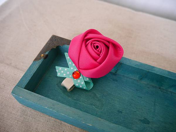 17、桃紅玫瑰髮夾(大)