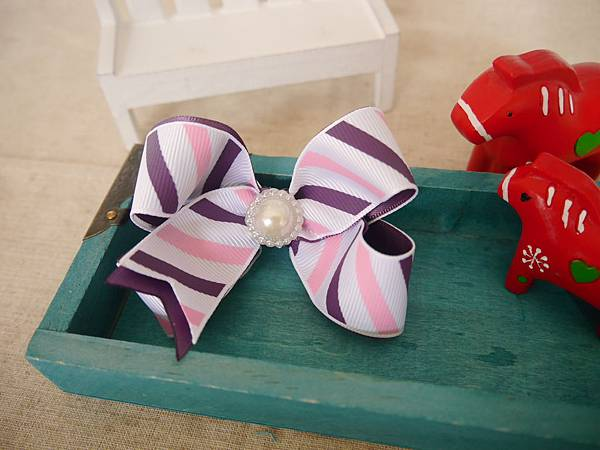 9、氣質粉紫斜條紋立體蝴蝶結