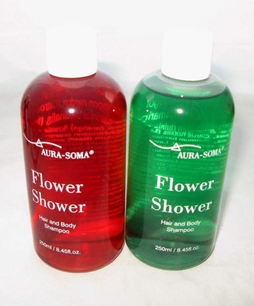 珊瑚與特調綠色有機花精沐浴乳.JPG
