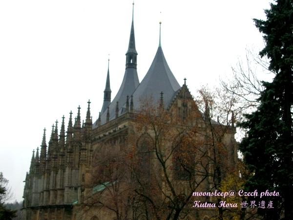 聖巴巴拉教堂側面