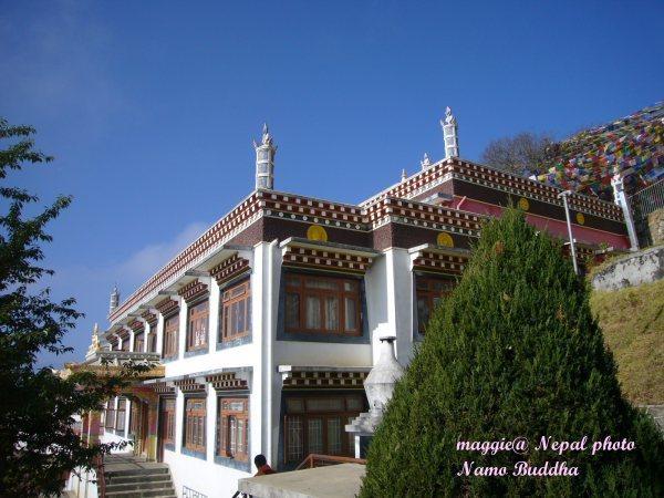 南摩布達的創古寺護法廟