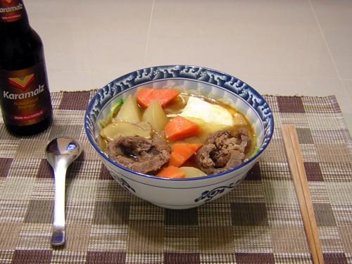 紅燒牛肉麵配上冰涼的黑麥汁,超棒的!