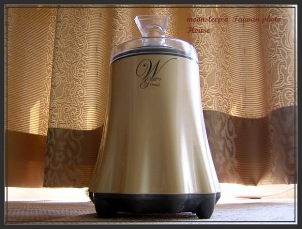 購自荷柏園的婚紗水氧機,品牌為意思集isagi