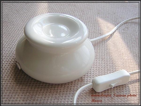 乳白色插電式淺盤擴香石(側面)