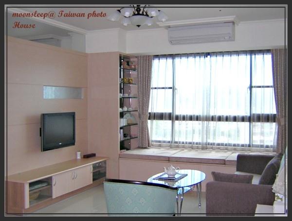 橡木色彩組成的客廳