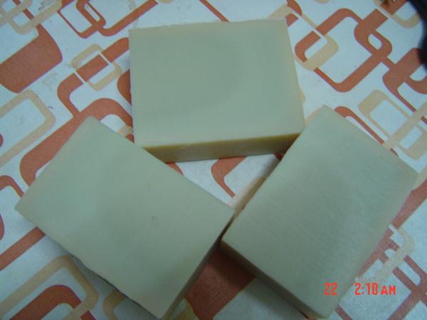 果凍的好明顯的豆漿皂.JPG