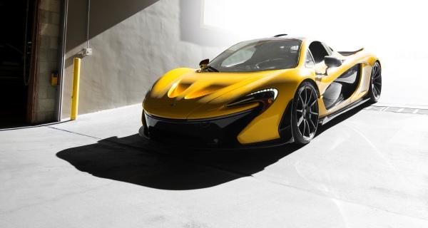 Yellow_McLaren.jpg