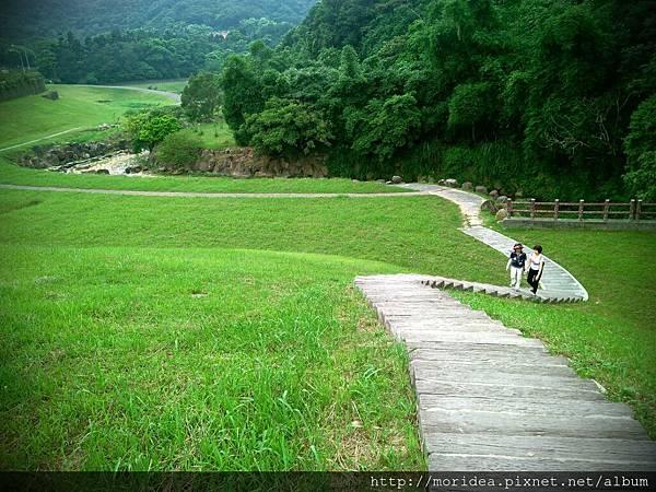 【旅。遊國內】放假去哪玩?台北-大溝溪親水公園 (5).jpg