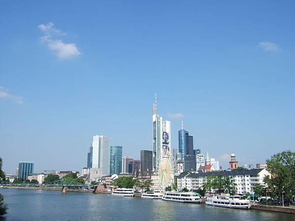 另一邊的美茵河岸(am Main)