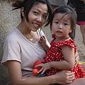 110803 (144) Janet & 妍妍 母女倆.JPG