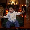 110209 (05) Laken 坐皇椅.JPG