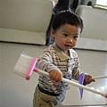 110226 (141) 最愛的玩具是掃把 & 笨抖.jpg