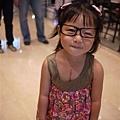 110807 (22) Tinnie 戴眼鏡.JPG