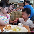 110814 (008) 吃早餐.jpg