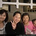111001 (07) 我家的4個女人.JPG