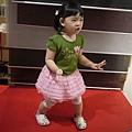 111001 (48) 跳舞.JPG