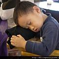 111008 (055) 吃飯吃到睡著.JPG