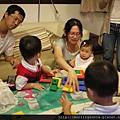 110611 (075) 小孩佔場地.JPG