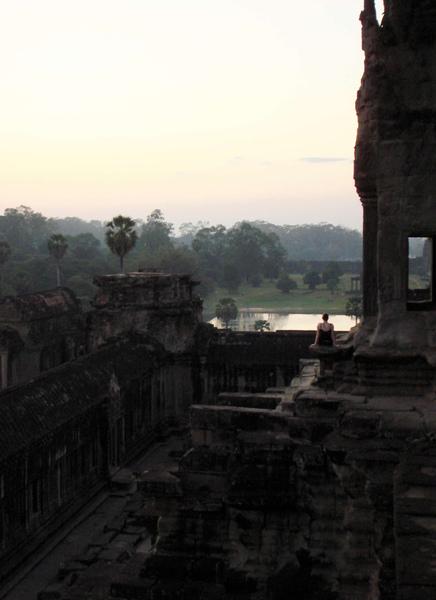 Angkor Wat 061129-177r1.jpg