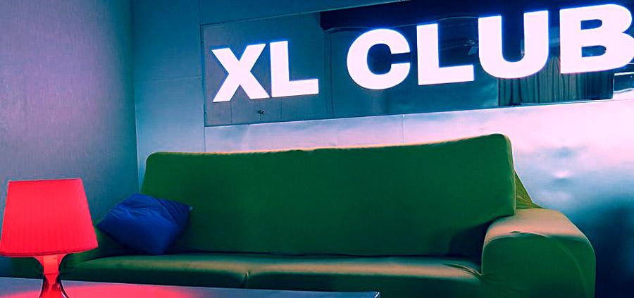 XL-1.JPG