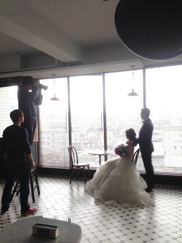 台北有攝影棚出租的地方能一次有九個棚嗎~!!!有,就在ME 台北攝影棚出租 每個攝影棚都有大量自然光 讓婚紗拍攝超級美