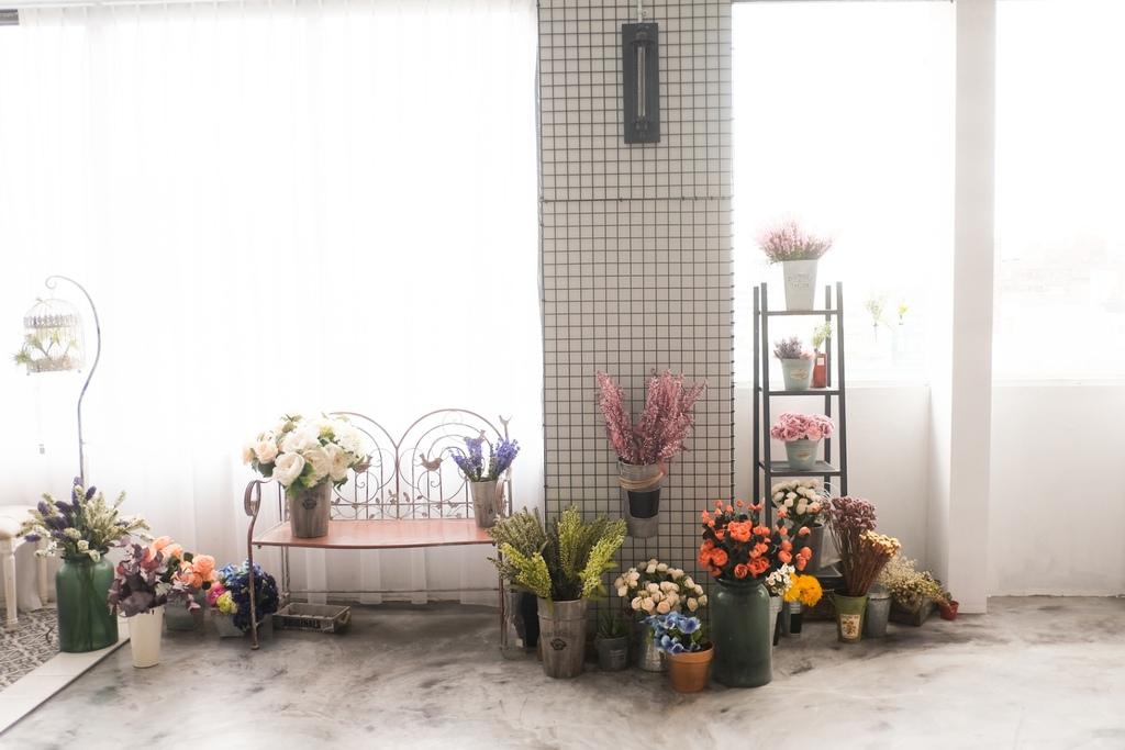 雖然Motion Extensity 台北攝影棚 完工沒多久的時間,攝影棚出租的工作就是希望大家能常常有不一樣的佈景  一直有新的道具,更能有新的配色 搭配 我們在同一個地點,創造了九種不同風格的攝影棚,來滿足不同需要的婚紗新人,跟網拍創作    2016春季新配色出爐