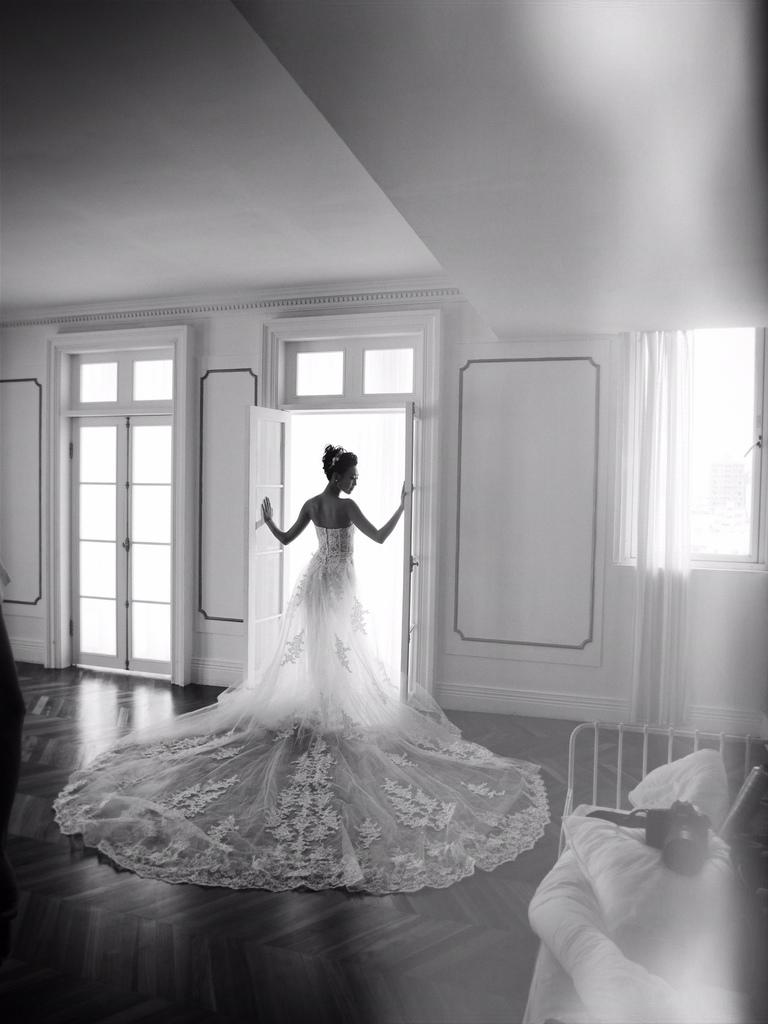 ME 攝影棚會常常更新怖景配色唷~!!! 請大家要多注意一下~!! 讓自助婚紗的新人們,常常有不一樣的新鮮感 我們盡力讓怖景變動的快一些,才不會有停滯不前的感覺~!! 也