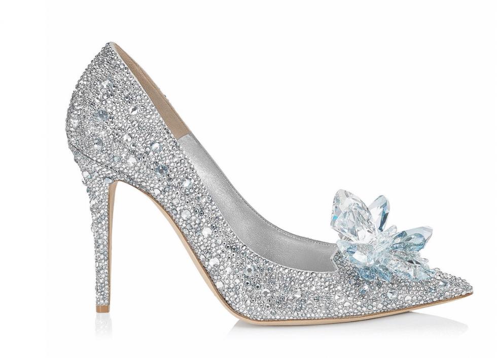 仔細欣賞一下擁有7000顆Swarovski水晶寶石超仙氣美鞋