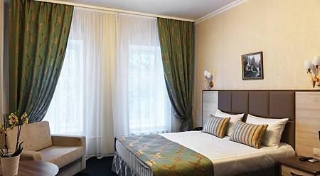 Seven Hills Brestskaya Hotel.jpg