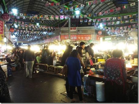 Gwangjangmarket_inside