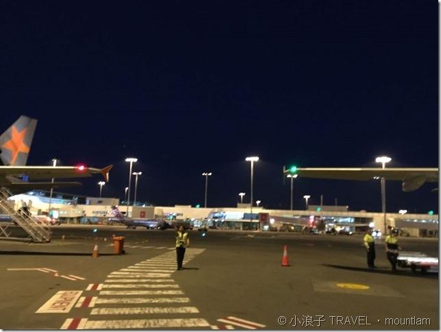 登上Jetstar 捷星航空前的悉尼停機坪