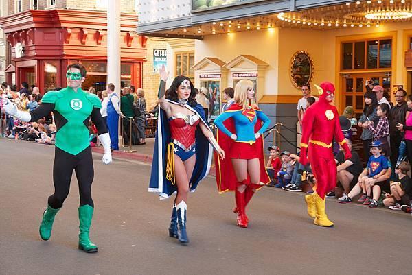 華納電影世界Warner Bros.Movie World全明星遊行