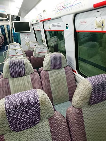 機場快線青衣站車廂3