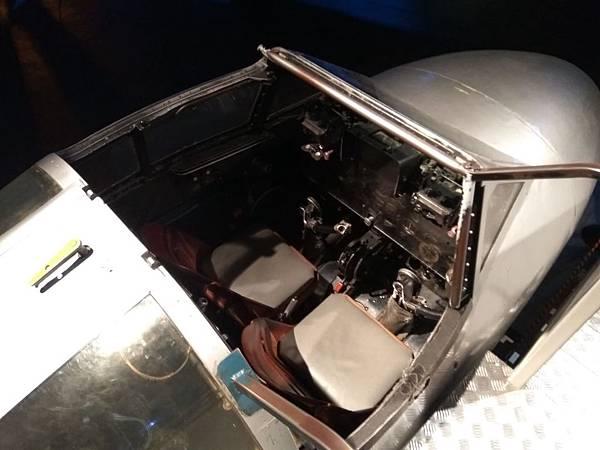 Christchurch市內景點-air force museum內試坐直昇機