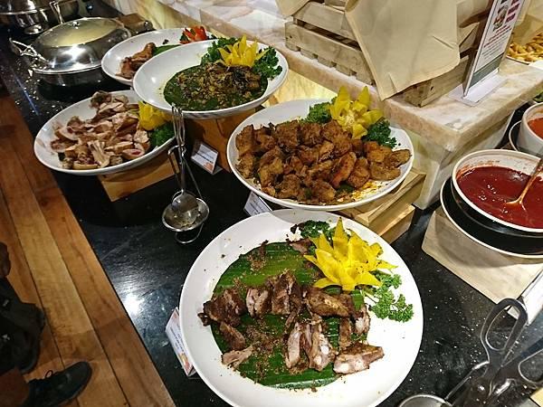 巴拿山自助餐熱食