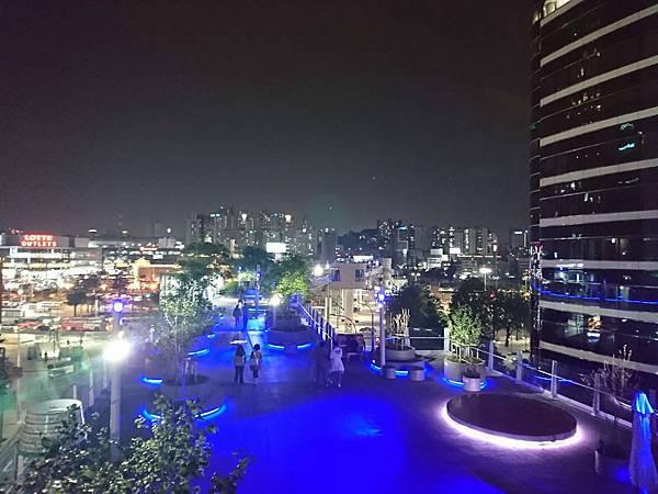 晚上的首爾路7017