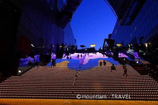 大阪京都自由行6日5夜遊記: 京都車站燈光Show
