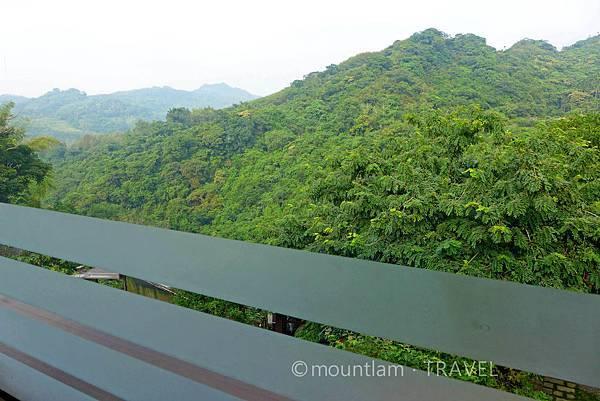 沐春溫泉湯宿私人溫泉正對翠綠山景