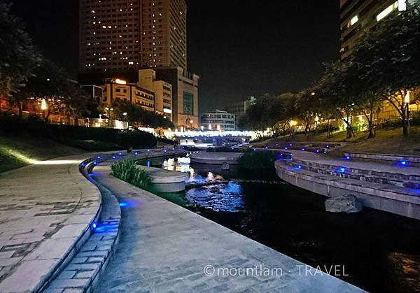 柳川水岸步道,適合拍夜景,情侶散步