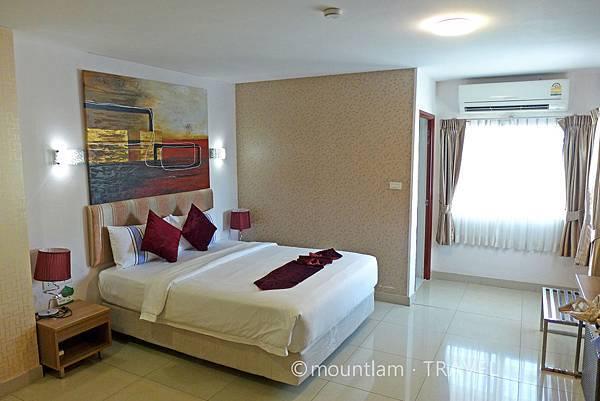 清邁古城住宿: 紅燕酒店Roseate Hotel Chiangmai的雙人房