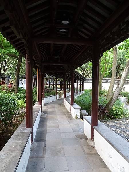 九龍城好去處之九龍城寨公園長廊