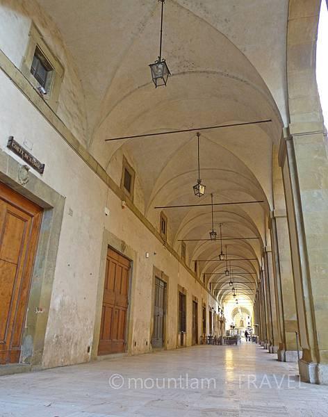 arezzo景點piazza grande