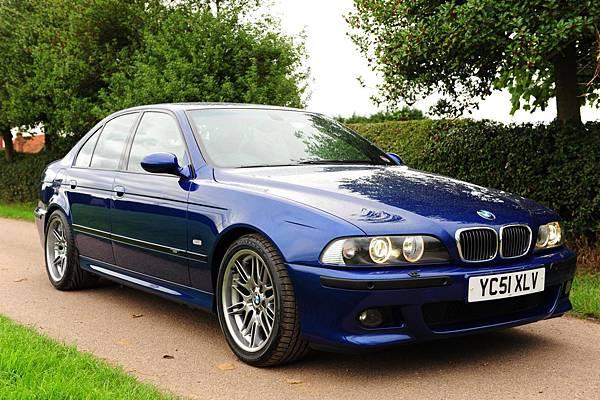 BMW_M5_E39_(Blue)