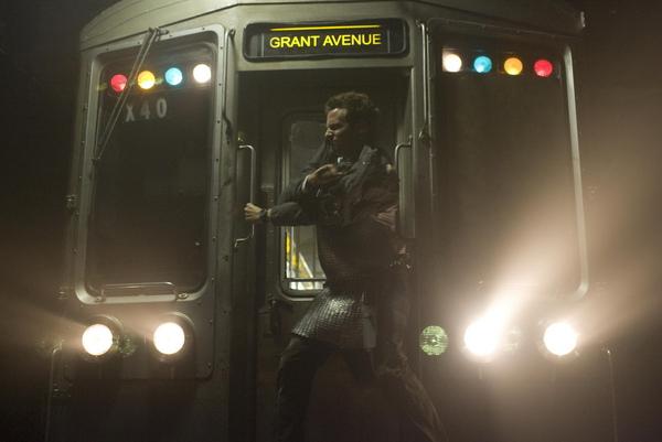 劇照:男主角列車大躍進