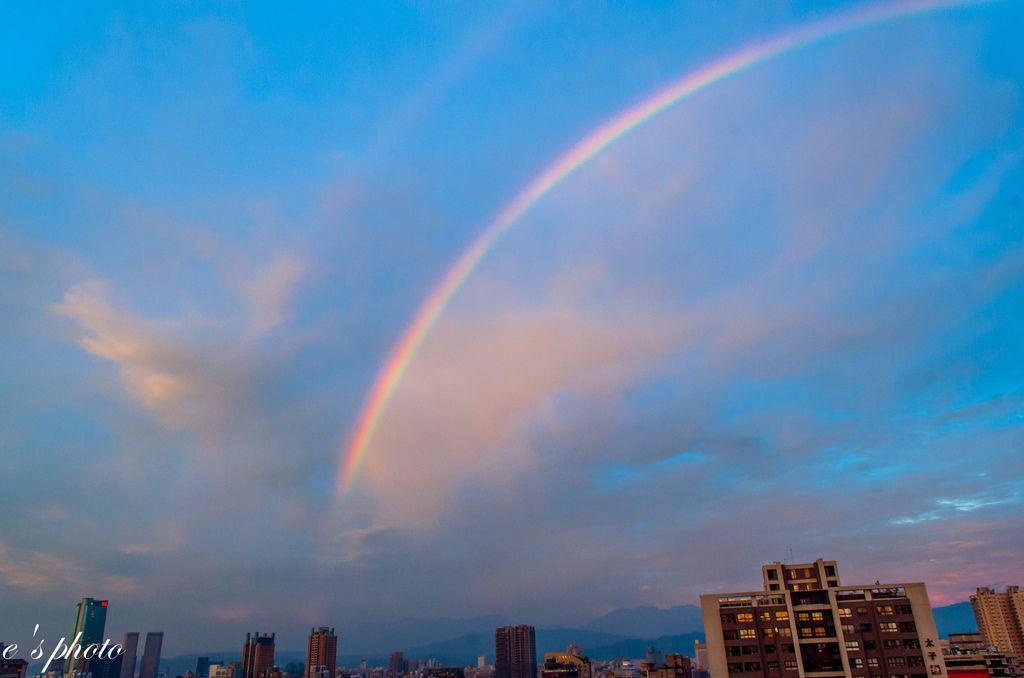 『大自然之美』台中 天枰 回馬槍前 彩虹與火燒雲