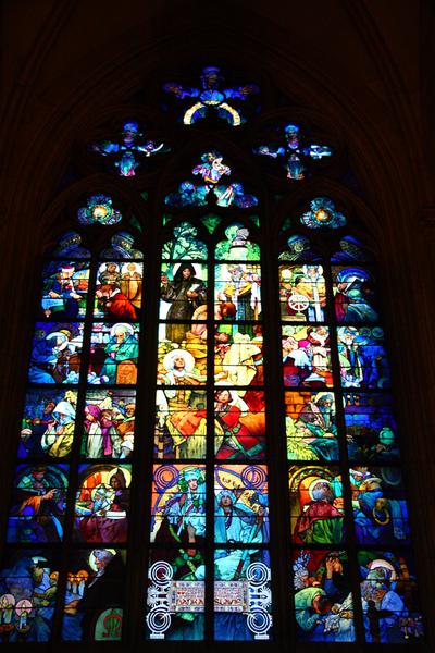 布拉格聖維特大教堂玫瑰窗01