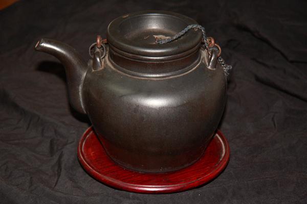 宜興黑紫砂壺