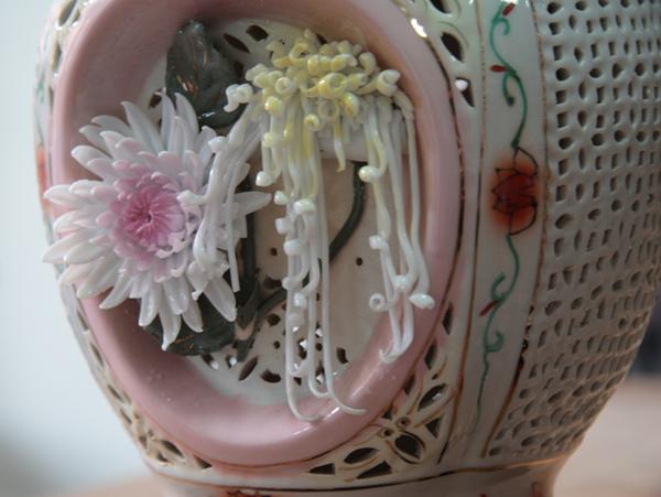 清朝瓷雕花瓶對-8